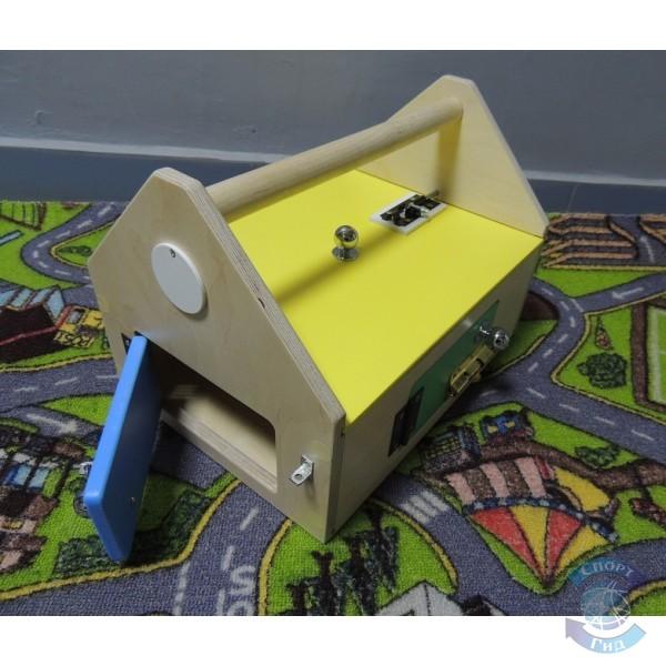 Ящик тактильный с дверками и замочками СП